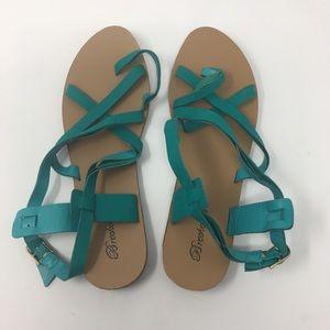 NWOT Breckelle's Sandals